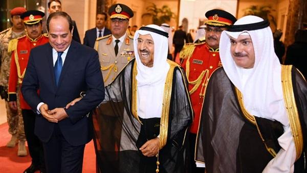 بالفيديو.. أمير الكويت يستقبل الرئيس السيسي في قصر بيان